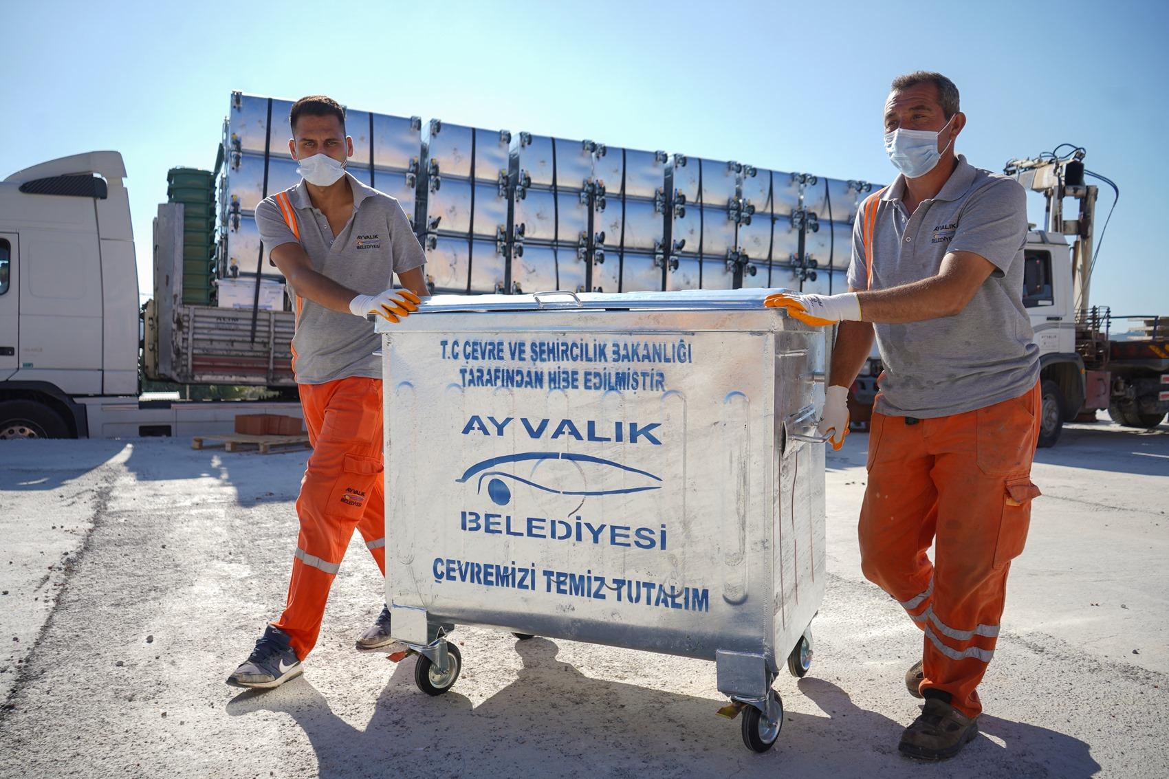 Balıkesir Ayvalık'a 650 tane yeni çöp konteyneri