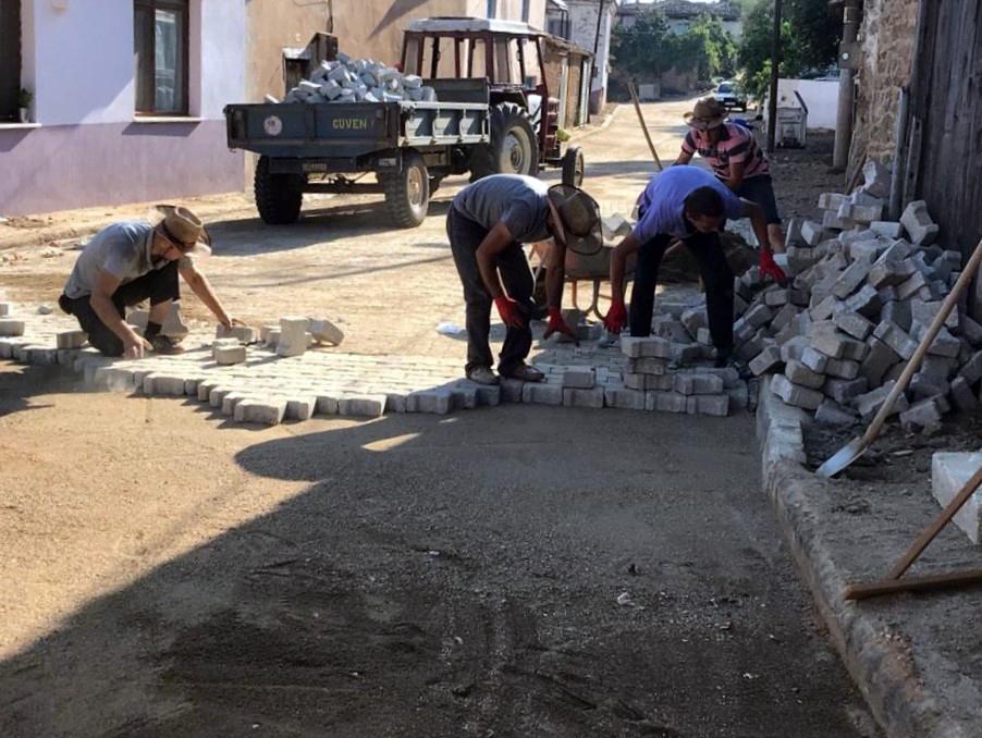 İzmir Ödemiş'te kilit parke taş seferberliği
