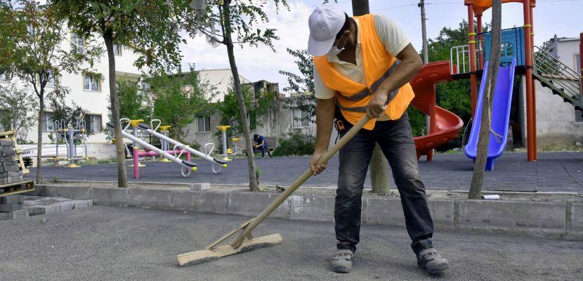 Aliağa Belediyesi Yeni Şakran'da sokakları yeniliyor