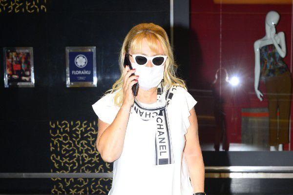 Demet Sabancı Çetindoğan Kanyon'daki alışveriş turunda objektiflere takıldı