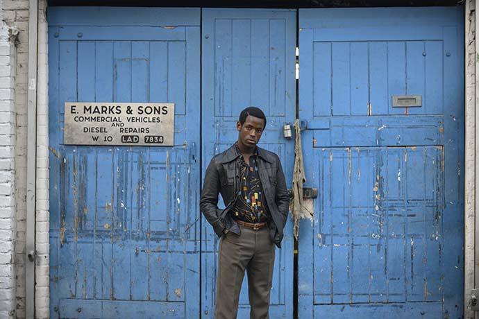 Ödüllü yönetmen MCQueen'in ilk dizisi Small Axe izleyicisiyle buluştu