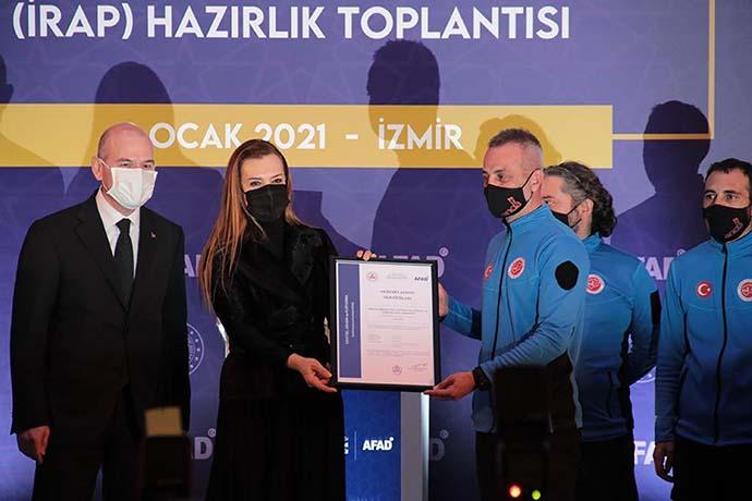 İçişleri Bakanı Soylu İzmir'de incelemelerde bulundu